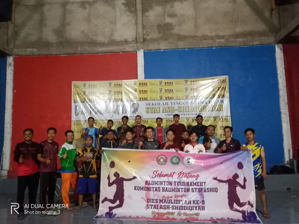 Keseruan Perlombaan Badminton Dies Maulidiyah Ke-IX STAI Ash-AshiddiqiyahKe-9